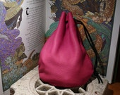 Medium-sized Drawstring pouch (Pink leather)