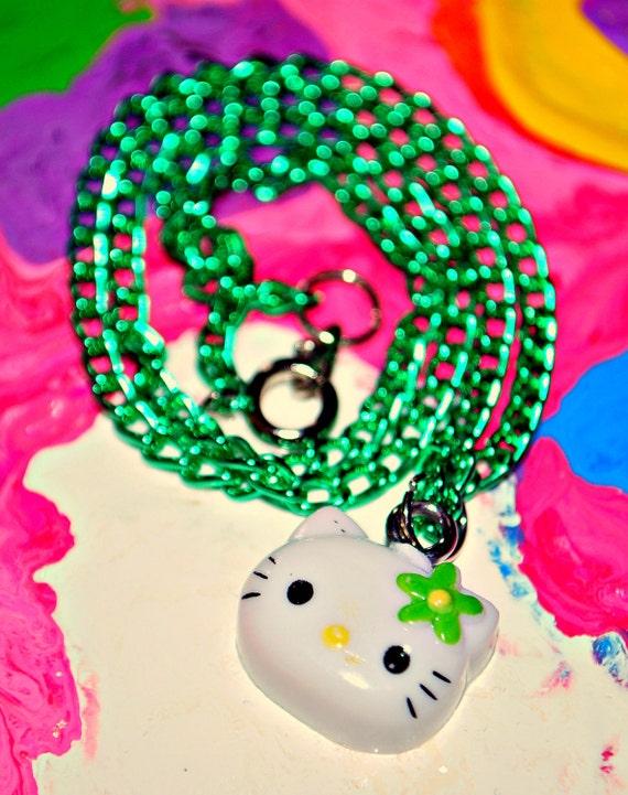 Petite green hello kitty necklace - Petite maison hello kitty ...
