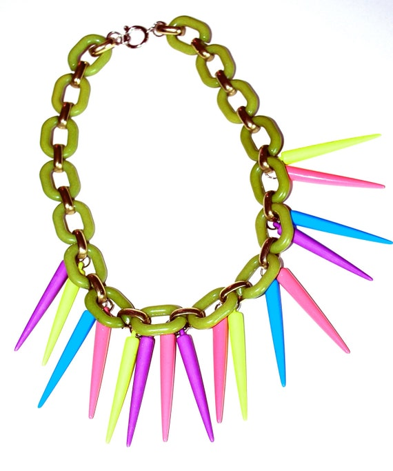 40% OFF - Neon Spike Necklace with Green Thick Plastic Link Chain