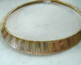 """STRIPED EFFECT Gold Tone 17-Inch Choker, Beautiful """"Graduated"""" Reflective Pattern, Comfortable and  Lovely"""