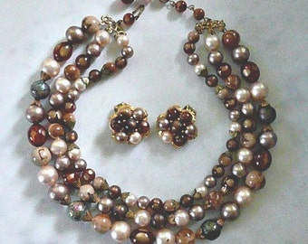 STUNNING MultiColor Necklace and Earrings Set, 1960s Vintage, Iridescent, Lovely, Feminine