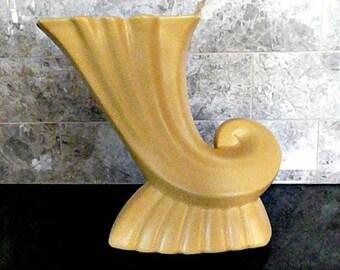 GENUINE 'Bauer Pottery' Cornucopia Vase, Famous Coconut Grove, Gorgeous, 1940s