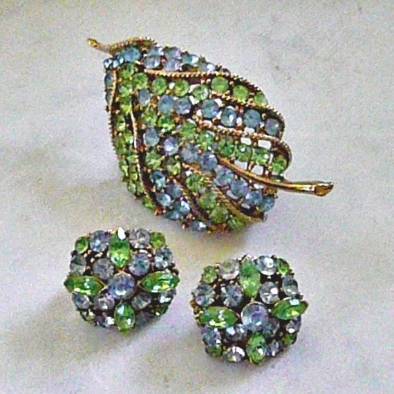 LOVELY Leaf Brooch and Matching Earrings Set, Wedgwood Blue and Seafoam Green Rhinestones, Collectible, Mid-Century