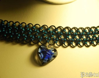 My Dark Sweetheart - Chainmaille Choker in Blue and Black