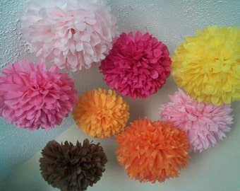 Tissue paper poms / Wedding decorations / Wedding anniversary / Bridal party / Party decorations / Set of 44