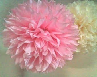 6 Tissue paper pom pom. Wedding pom pom flowers. Bridal shower pom poms. tissue paper pom decorations. diy paper poms