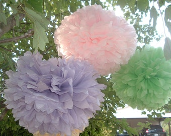 25 Tissue paper pom poms, Wedding decorations, Baby shower, Wedding anniversary, Bridal party, Party decorations, pommagic.