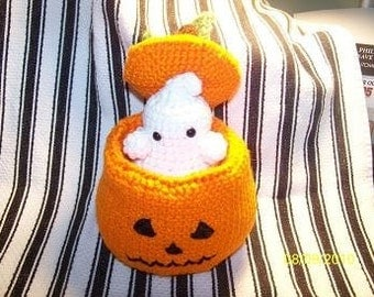 Pop up crochet Pumpkin with either cat or ghost crochet Halloween decor Jack O Lantern