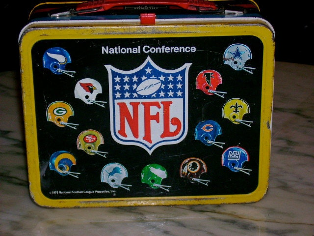 1975 vintage metal NFL American Conference football lunch box