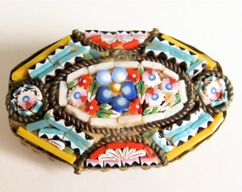 Elegant Brooch Pin Vintage Micro Mosaic Brass and Glass Italy