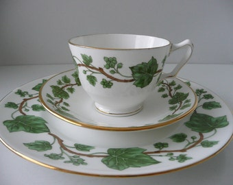 CLEARANCE - Three Piece Royal Victoria China Ivy Pattern Dinner Set