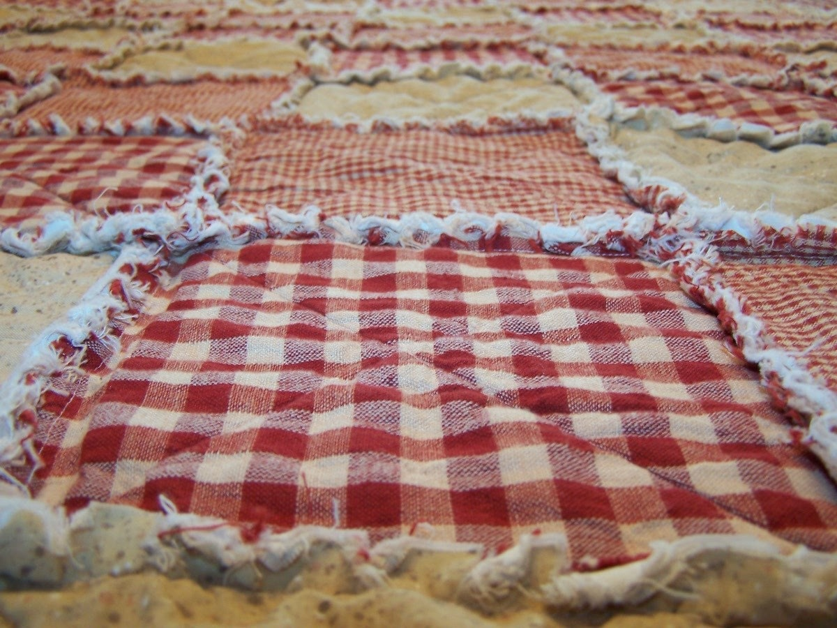 california king size rag quilt red homespun quilt farmhouse. Black Bedroom Furniture Sets. Home Design Ideas