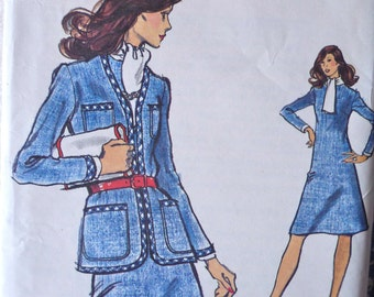 70s A Line Dress Pattern Vogue 8515 Bust 34 V Neck Cardigan Jacket Pattern UNCUT