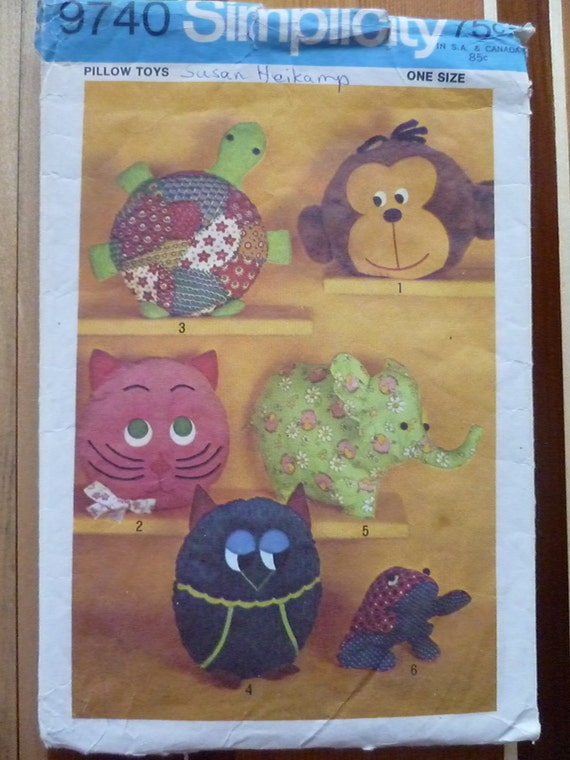 Pajama Bags Sewing Pattern Pillow Toys Turtle Monkey Elephant Owl Frog Vintage 70s