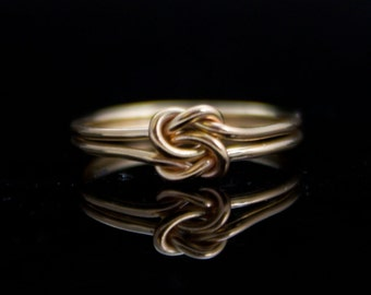 Solid 14K Gold Double knot ring. Infinity knot ring in 14 Karat gold. Yellow gold infinity ring. Promise ring, commitment, wedding, celtic