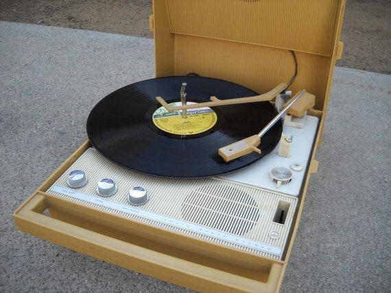 1960s record player everything works. Black Bedroom Furniture Sets. Home Design Ideas