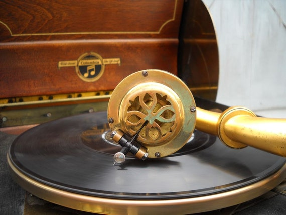 1920s Phonograph wind up record player WORKS