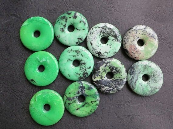 As Pictured-- 10pcs --Green Grass Howlite Round Ring Donuts 40mm with 9mm hole