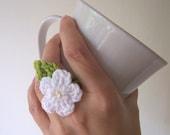 Crochet Ring Green White Daisy Flower unusual gift