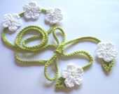 Green Crochet Headband with White Daisy flowers/ unusual gift/ Valentines / Belt/ Hippy/ Gipsy
