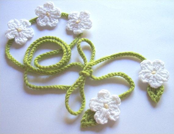 Green Crochet Headband with White Daisy flowers/ unusual gift/ Valentines / Belt/ Hippy/ Gipsy