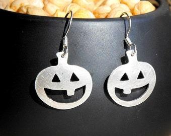 Silver happy smiling pumpkins earings