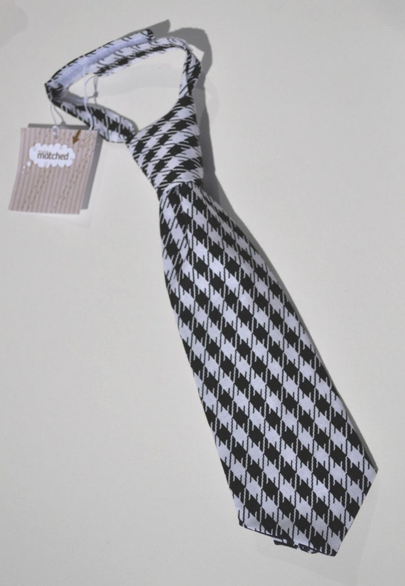 hounds tooth tie