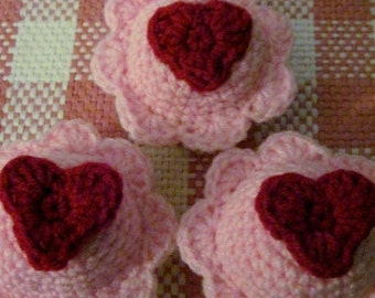 Red Heart Vanilla Cupcakes - Set of 3