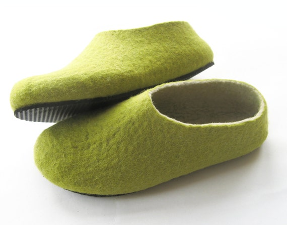 Felted Wool Slippers Green Tea, Natural Shoes, Wool Shoes, Relaxing Gifts, Color Blocking, Green Shoes, Minimalist Shoes, Rubber Soles