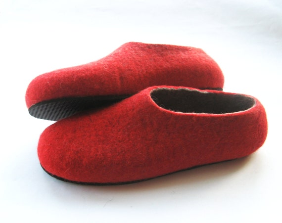 Wool Felted Slippers, Red Gray Felt Shoes, Boiled Wool Slippers, Handmade Shoes, Christmas Gifts, House Shoes, Rubber Soles, Indoors Outdoor