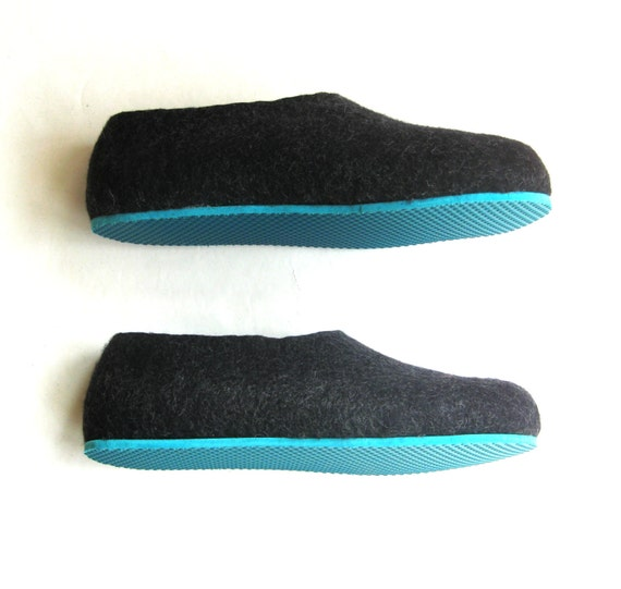 Items similar to charcoal felt slippers wool shoes for Minimalist house slippers