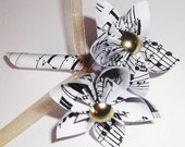 Paper Flower Wedding Boutonniere- 2 flowers, handmade, wedding, accessory, groom, groomsmen
