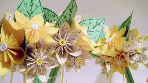 Love Paper Daisy Bridesmaid Bouquet- handmade, origami, paper flower, made to order, one of a kind, spring bride
