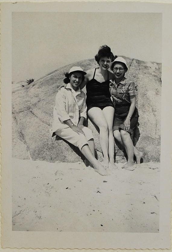 Beach GAls, 1950, Snapshot, Vintage Photo, Photography