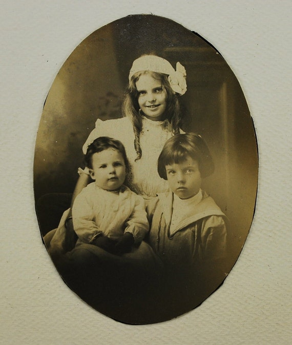 Siblings 1910's, Real Photo, Vintage Photo, Photography, Collectible, Photo