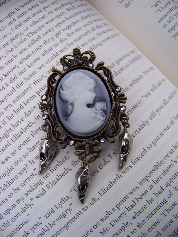 Lady Lenore Cameo Pin/Brooch
