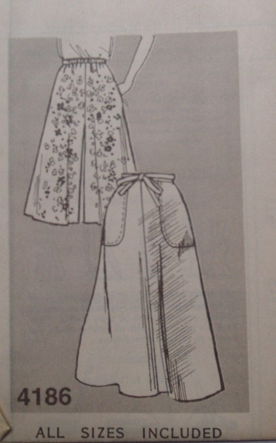 """Vintage Womens Skirt and Culotte Pattern - Mail Order from Reader Mail 4186 - Waist 31"""" through 46 1/2"""""""