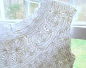 Vintage 30s 40s blouse top breathtaking Battenburg scalloped lace linen white