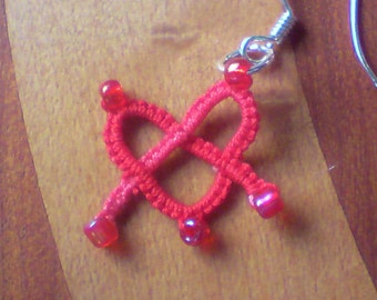 Tatted lace celtic heart earrings Knot My Heart red varigated