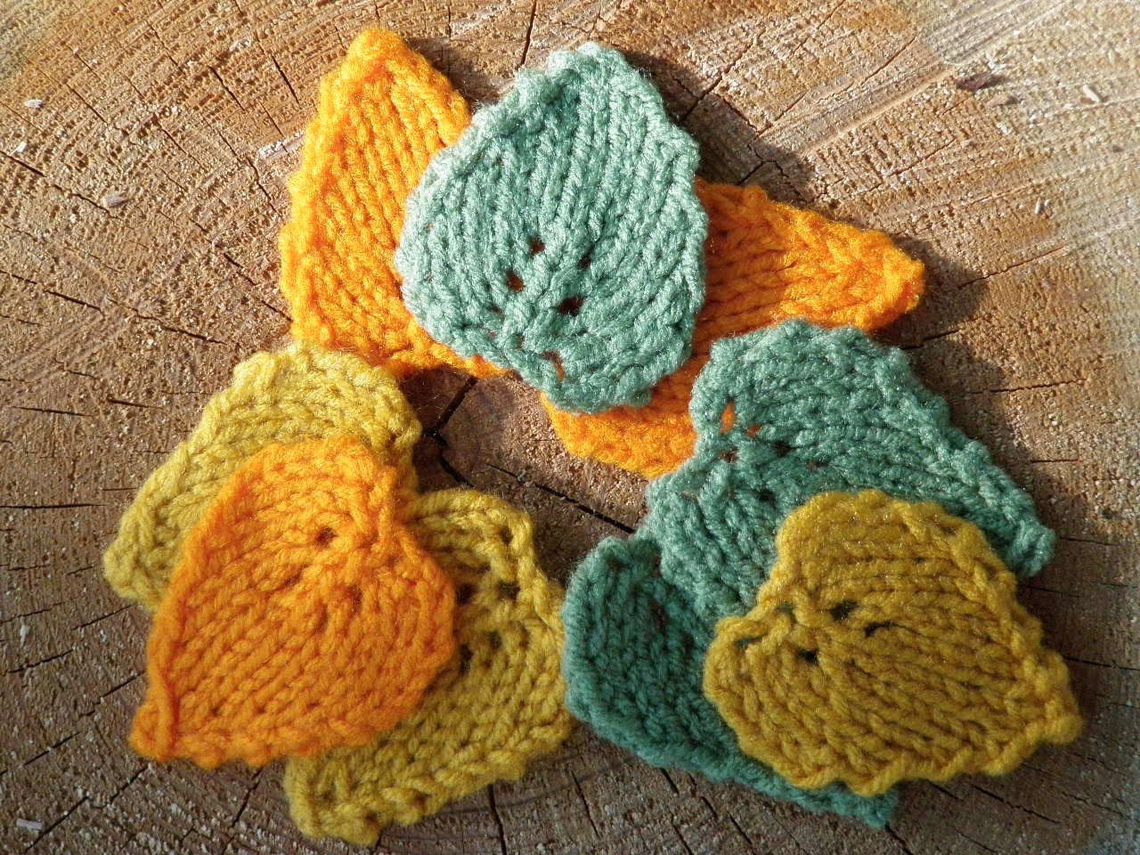 Knitted Leaves Patterns Free : Sale 9 Knitted Leaves in Fall Colors