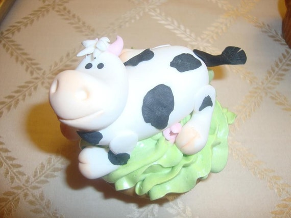 Gumpaste Cows