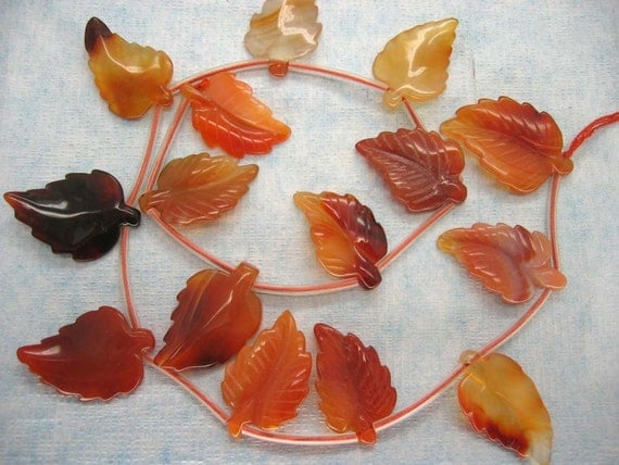 15 Pcs Fine Carved Leaf Red Agate Gemstone Beads