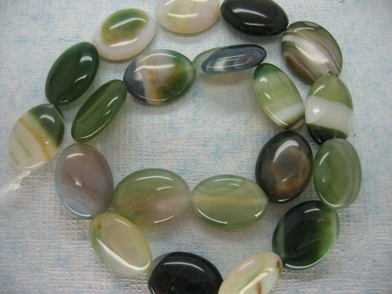 16 Pcs Moss Green Lace Agate Polished Puffed Oval Beads