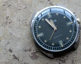 Vintage soviet Russian mens wristwatch RAKETA