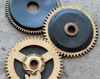 Vintage clock brass gears -- set of 3 -- D3