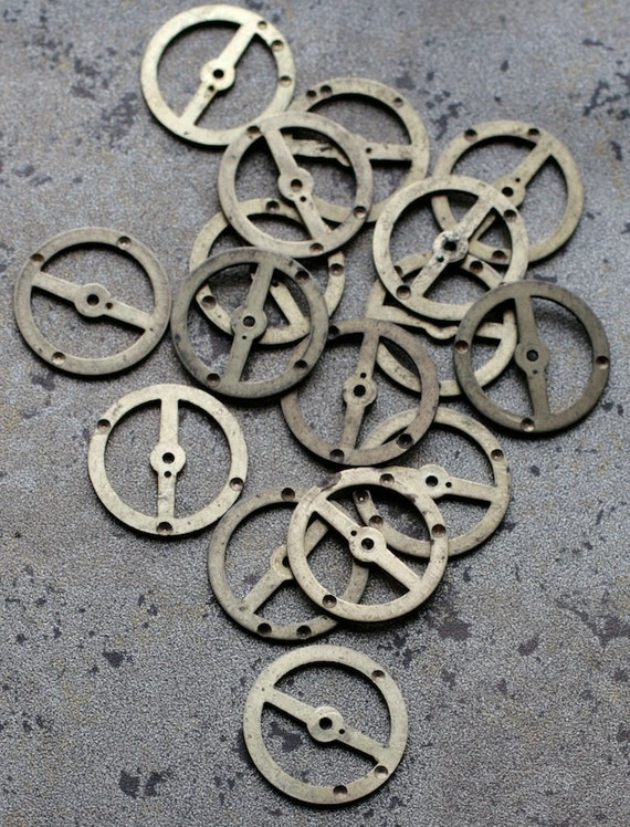 Vintage clock brass gears -- set of 16 -- D2