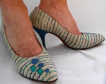 Bubble patterned heels women's pumps by Pandora Footwear 1950's blue, teal and beige striped fabric Hudson's Woodward Shops Detroit  size 7