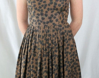 DRESS - 1950s - SILK - brown with black flowers - Saks Fifth Avenue - full skirt - sleeveless - black faceted buttons - size S