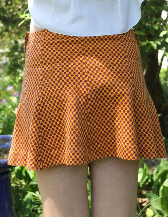 SKIRT - 1960s MINI - ORANGE - red and navy - cute little flair
