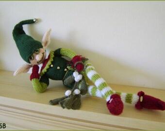 Mistletoe Elf   :   Pattern only IMMEDIATE DOWNLOAD